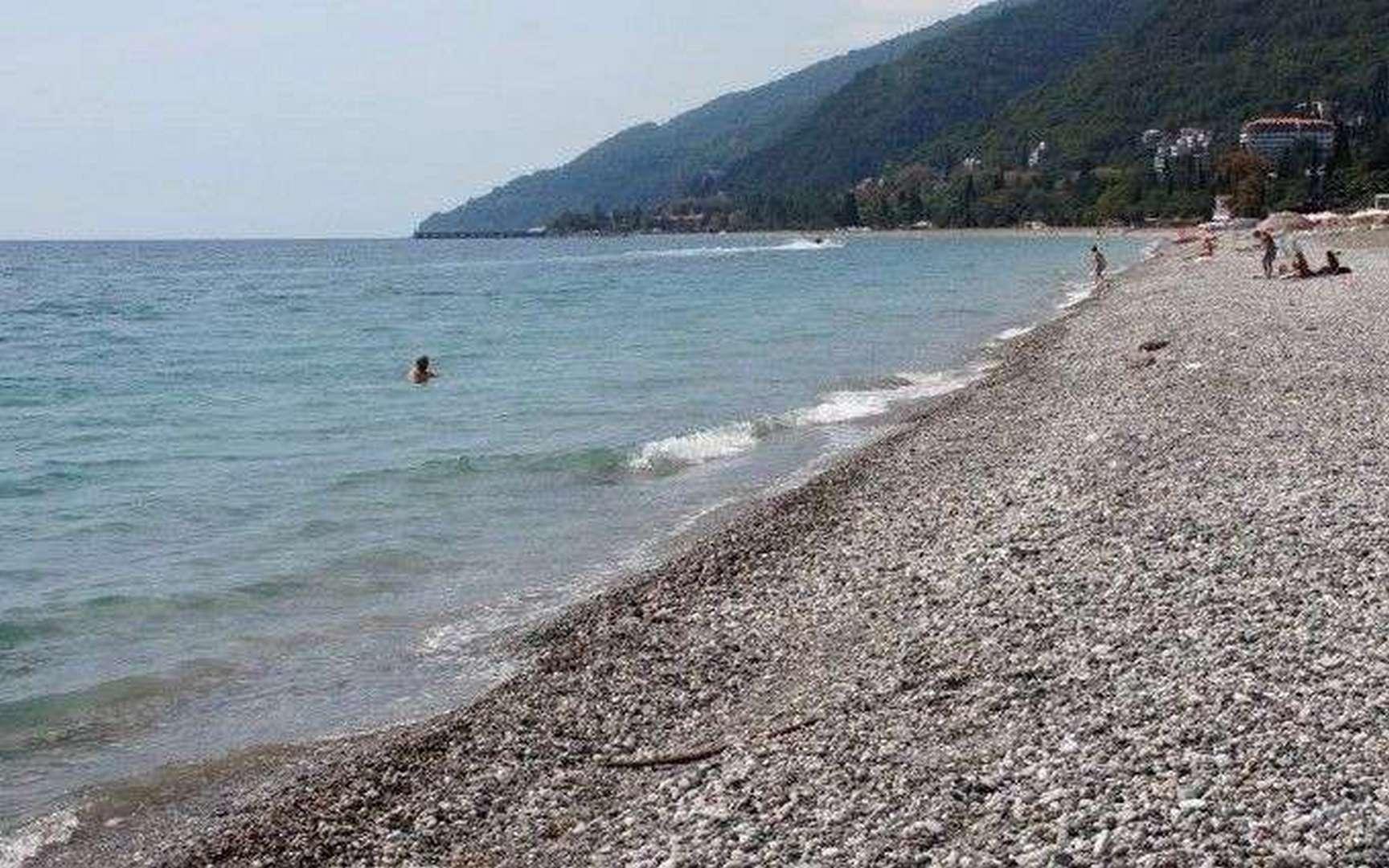 Пляж Гумиста на лето 2021 года, город Сухум, Абхазия - фотографии, отзывы туристов
