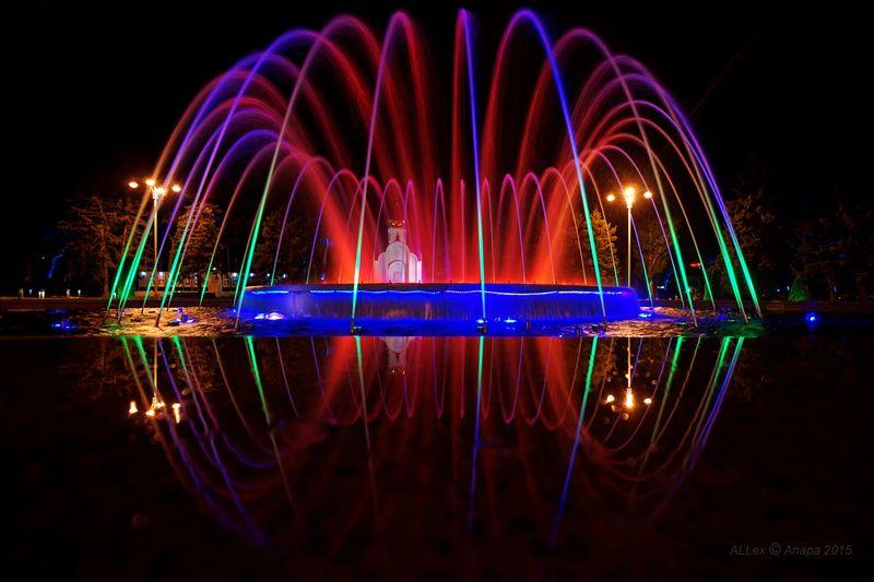 Музыкальные фонтаны в Анапе фотографии отзывы туристов подробное описание режим работы.