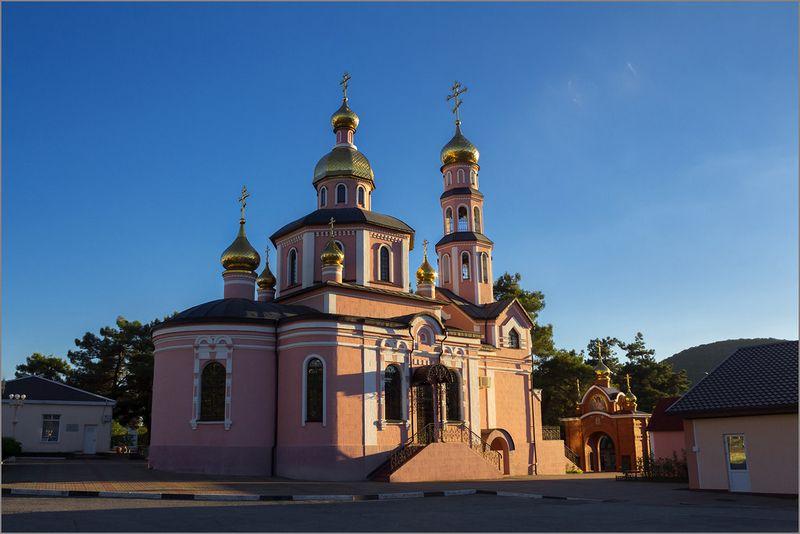 Церковь Николая Чудотворца в Архипо-Осиповке описание отзывы телефон режим работы как проехать.