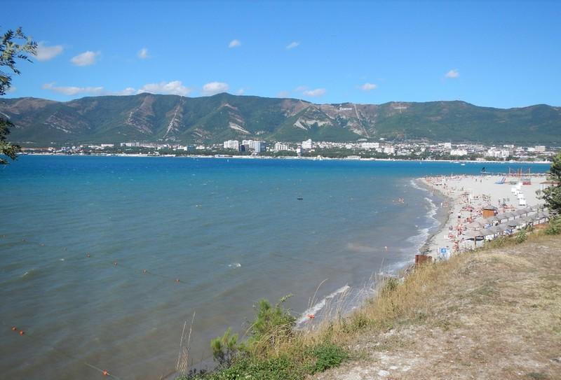 Пляж Сады морей в самом центре Геленджика, отзывы туристов, описание, фотографии, адрес, как пройти.