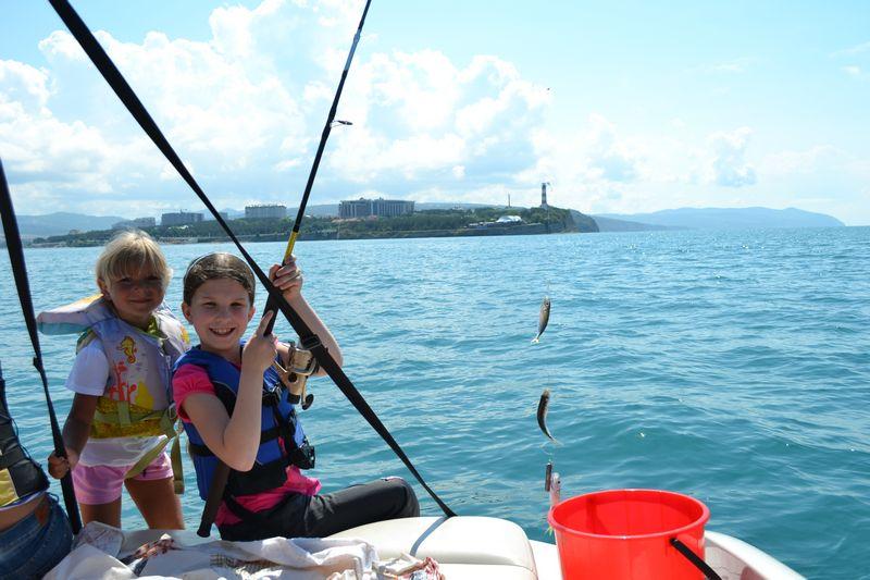 Морская рыбалка в Геленджике описание отзывы телефон куда подъехать фото.