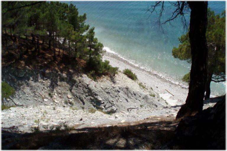 Нудистский пляж поселка Кабардинка, фотографии, адрес, как проехать, отзывы туристов, подробное описание.