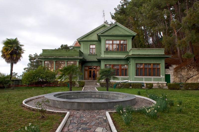 Дача Сталина в Хосте – уникальная достопримечательность, как проехать, адрес, режим работы, телефон, цена билетов.