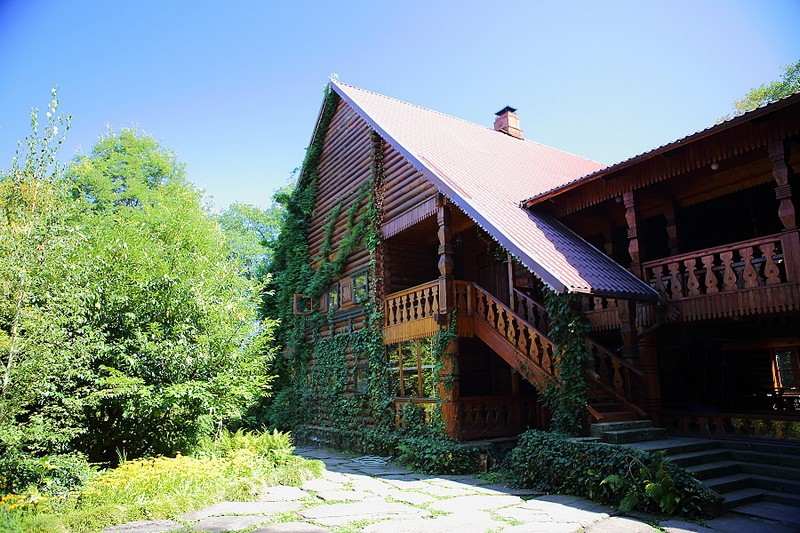 Чайные домики в Уч-Дере романтический отдых в районе Сочи, описание, адрес, как проехать, фотографии, телефон, отзывы посетителей.