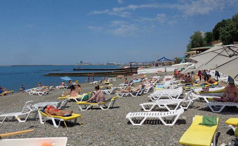 """Описание пляжа """"Солнечный"""" для отдыхающих на курортный сезон 2021 года, отзывы, фотографии"""