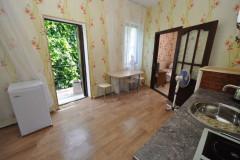 10 Гостевой дом Сибирячка п. Джемете, ул. Песчаная д. 28 (6-ти местный 2-х комнатный «Стандарт» с кухней)