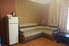 07 Гостевой дом «Дионис» п. Пляхо ул. Яблоневый сад д. 15 (2-х комнатный номер класса «Люкс»)