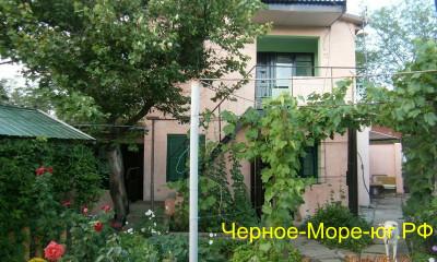 Крым частный сектор «Людмила» в Саки, ул. Морская, 4б