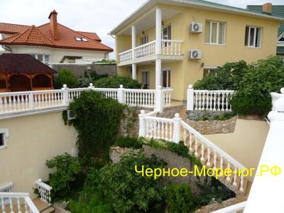 Гостевой дом «Инжир» по ул. Терлецкого, 7а в Форосе