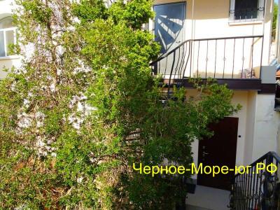 Гостевой дом по пер. Потёмкинский, 4 в Ялте
