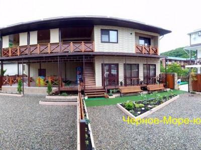 Гостевой дом «Персиковый сад» в Пляхо по ул. Персиковый сад, 13