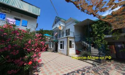 Гостевой дом «Белый пароход» Дедеркой, Черешневая, 39