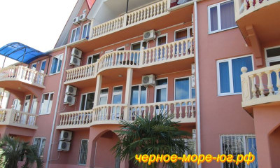 Гостевой дом «Пурпурный замок» по ул. Набережная, 19 в Адлере