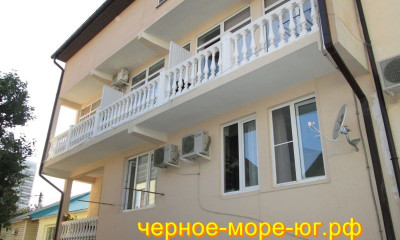 Гостевой дом по ул. Б. Хмельницкого, 36а в Адлере
