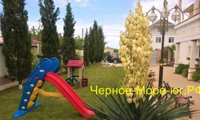 Мини-гостиница «R-Lux» в Евпатории (пгт. Заозёрное), ул. Молодёжная, 29