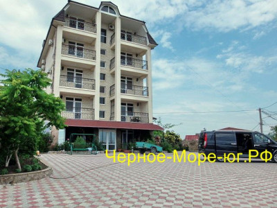 Гостиница «Меганом» в Коктебеле по ул. Ленина, 157