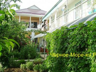 Частный сектор «У Наримана» в Николаевке по ул. А. Бобыря, 14