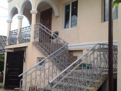Абхазия гостевой дом по ул. Смыр, 16 в Гудауте