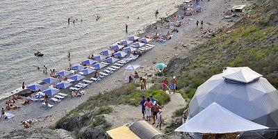 Описание пляжа Агатовый в поселке Орджоникидзе для туристов на лето 2020 года - фотографии, отзывы, как проехать