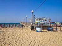 Центральный пляж в поселке Витязево