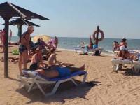 Главный муниципальный пляж станицы Голубицкая - Морской бриз, как проехать, режим работы, инфраструктура, фотографии