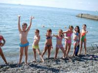 Детский пляж в городе Алушта - лето 2021 года, инфраструктура, отзывы туристов, фотографии