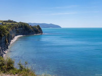 Живописный дикий пляж Круча в г. Геленджик лето 2021 года, фотографии, маршрут, отзывы