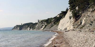 Дикий пляж на мысе Пенай – полезная информация, как проехать, адрес, актуальные фотографии.