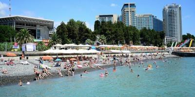В Сочи пляжный сезон продлится до конца октября.