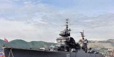Корабль-музей «Михаил Кутузов» в Новороссийске телефон как проехать цена время работы