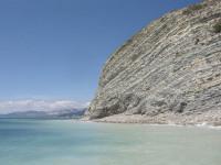 Дикий пляж с интересной историей – Мыс Дооб