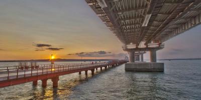Снятие запрета на грузовой транспорт через Крымский мост.