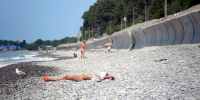 Нудистский пляж между Солоники и Лазаревское для туриста на лето 2020 года