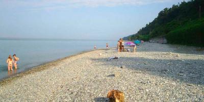 Нудистский пляж на территории поселка Лоо на курортный сезон 2020 года