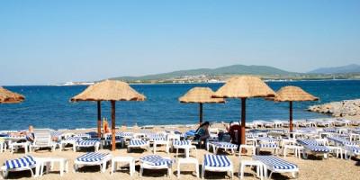 """Пляж """"Кемпински"""" на территории Геленджика для отдыхающих на лето 2021, недорогое жилье рядом"""