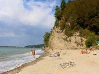 Описание пляжа Молочный недалеко от Пицунды, Абхазия на лето 2021, фотографии, отзывы