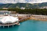 Один из самых популярных и хорошо развитых пляжей Геленджика - Приморье для отдыха летом 2021