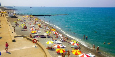 """Пляж санатория """"Сочи"""" в городе Сочи на курортный сезон 2020 с отзывами, фотографиями, маршрутами и актуальными ценами."""
