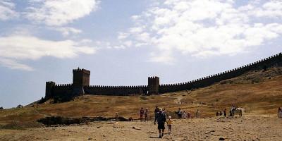 Пляж у Крепостной горы г. Судак - фотографии, отзывы туристов, оптимальный маршрут