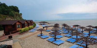 Пляж «Золотая бухта» г. Анапа на курортный сезон 2021 года – актуальные фотографии, отзывы туристов, как проехать, маршрут.