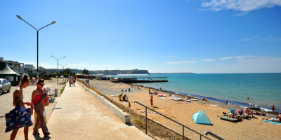Подробное описание пляжей поселков недалеко от города Щелкино, на лето 2020 года, фотографии, отзывы