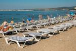 Пляж санатория Приветливый берег в городе Геленджик для отдыха летом 2020 года, актуальные цены