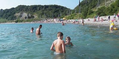 Пляжи поселка Вишневка на лето 2020 года, подробное описание, фотографии, отзывы туристов