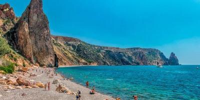 Яшмовый пляж в городе Севастополь – информативный обзор, месторасположение, отзывы туристов, курортный сезон 2020 года.